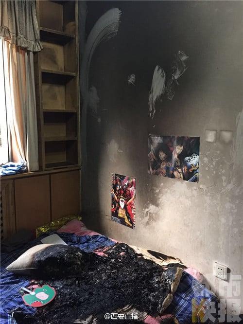9月5日,西安毛女士一個月前賣給兒子的小米Max旗艦機充電時爆炸起火,把兒子的房間燒得面目皆非。(網絡圖片)