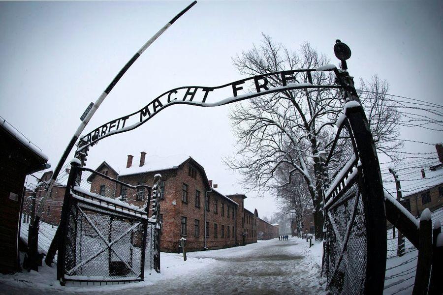 解放奧斯威辛集中營老兵謝世 但納粹式罪行仍在
