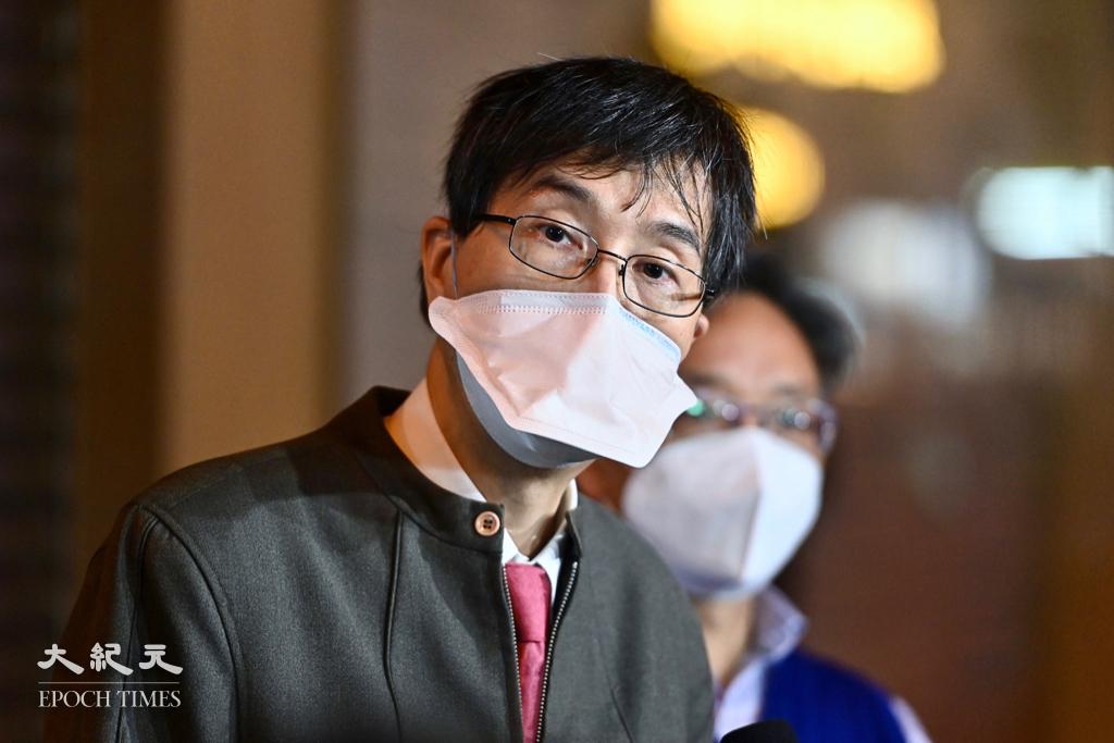 袁國勇今日(6月14日)指出,今次變種病毒未在社區擴散,可能只是「好彩」,但強調仍不排除有社區隱性傳播鏈。(宋碧龍/大紀元)