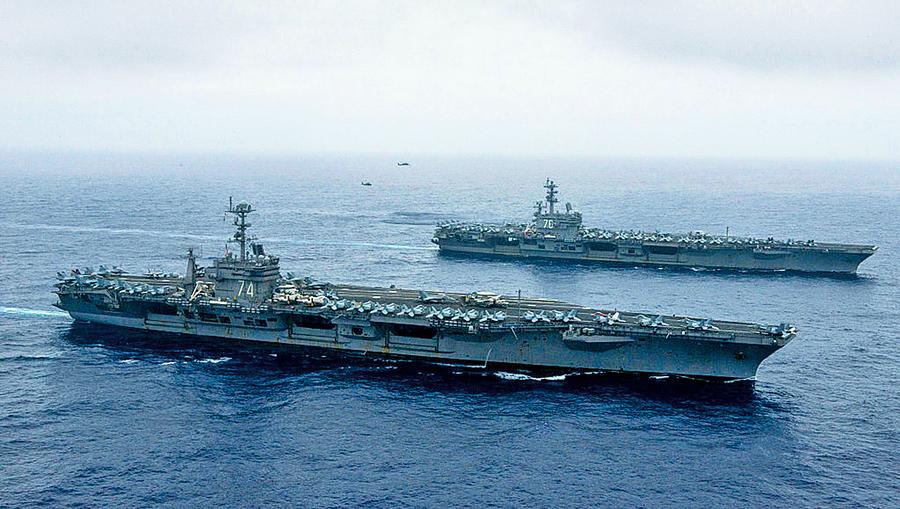 美列根號航母打擊群再入南海