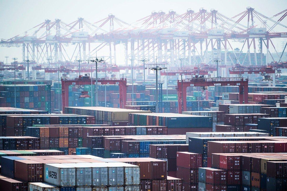 中共相關部門在各港口大規模檢測進口商品,導致大量貨櫃滯留。圖為中國一港口示意圖。(AFP/Getty Images)