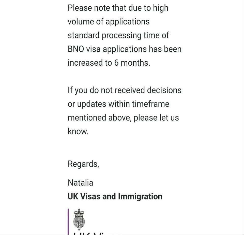 近日網絡上流傳一張一名等候逾12星期申請的網民與英國簽證暨移民署(UK Visas & Immigration, UKVI)有關BNO簽證申請的查詢截圖。(網頁截圖)