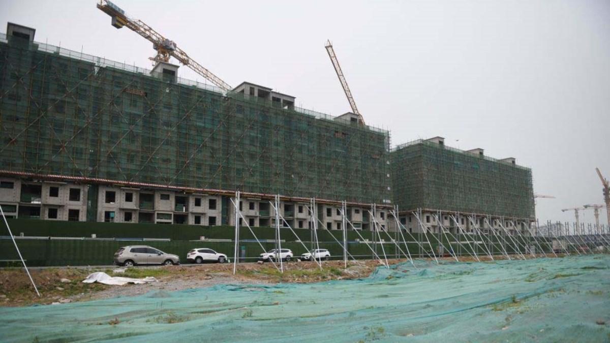 2020年5月7日,北京郊區一個住宅小區的施工現場。(GREG BAKER/AFP via Getty Images)