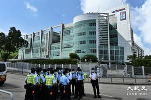 再搜蘋果|【直播】500警再搜《蘋果》大樓 以國安法拘捕五高層