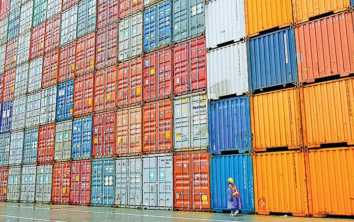疫情爆發 中國港口貨物積壓 或致美聖誕購物季缺貨