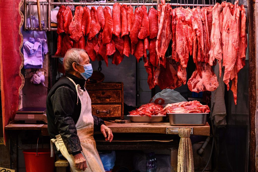 香港昨(6月22日)公佈消費者物價指數,5月按年錄得通脹1%。(ANTHONY WALLACE/AFP via Getty Images)