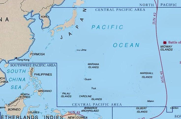 中、俄9月12日在南海舉行聯合軍演,在2000英里之外的關島附近,美國正在進行大規模海上軍演。(維基百科)