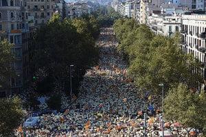 西班牙八十萬加泰羅尼亞人走上街頭 要求獨立