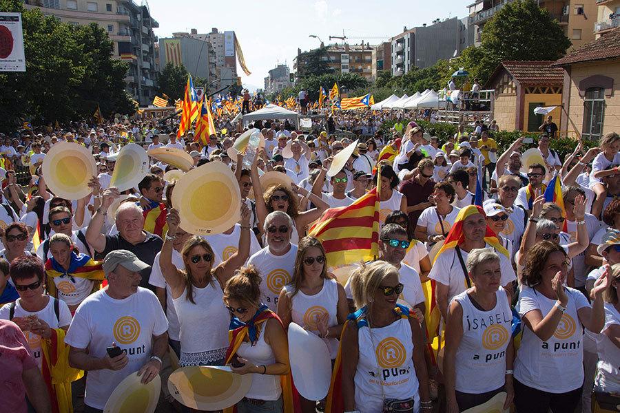 要求獨立的群眾。(JOSEP LAGO/AFP/Getty Images)