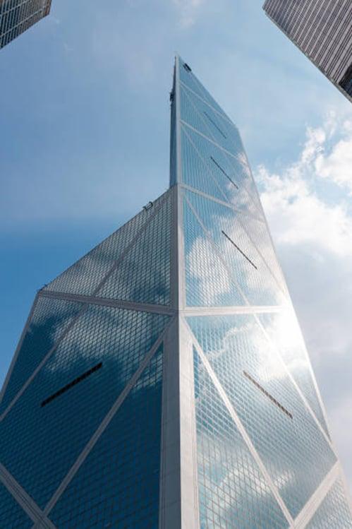中國銀行大廈就像一把三刃尖刀,寒光四射。(Pixabay)