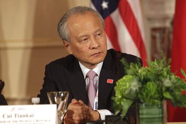 中共駐美大使崔天凱6月21日宣佈,將在本周離任返回中國大陸。圖為2015年6月24日崔天凱出席華盛頓的一次美中會談。(CHRIS KLEPONIS/AFP via Getty Images)