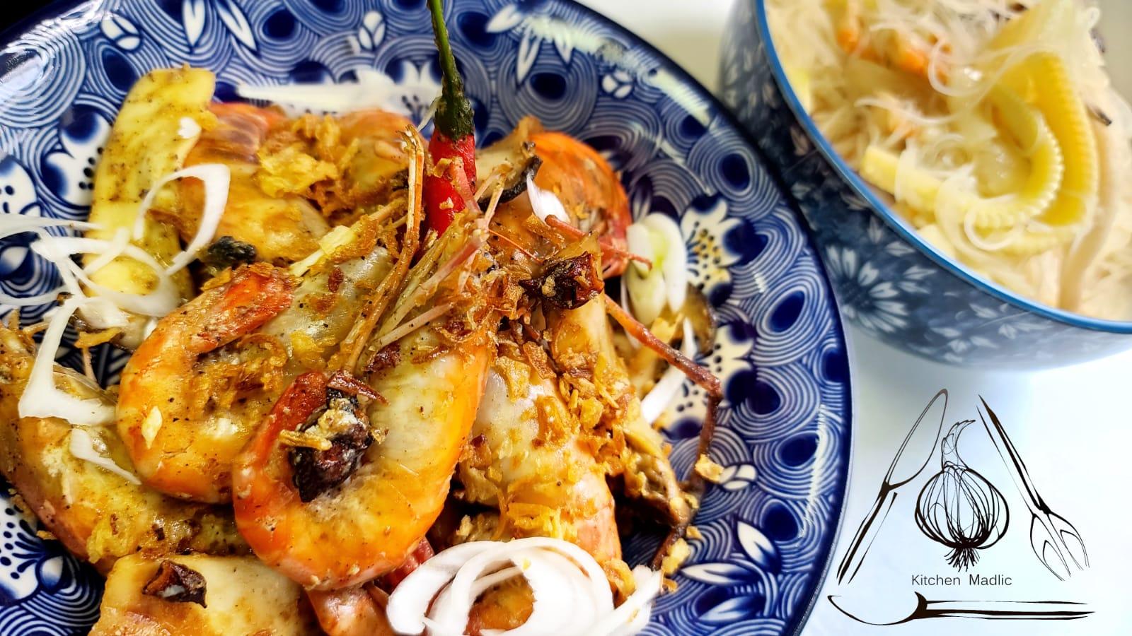 台式胡椒蝦配蝦乾節瓜湯米粉。(Kitchen Madlic提供)