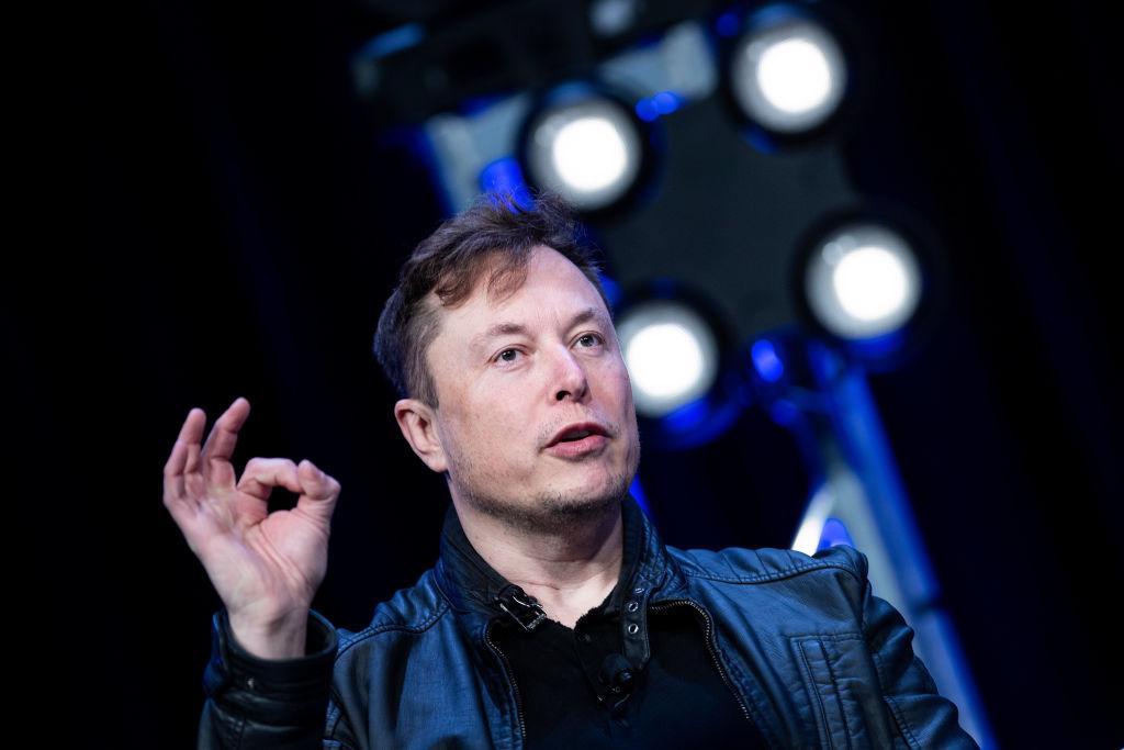 美國巨富馬斯克擁有SpaceX。該公司旗下的「星鏈」計劃頗受矚目。(BRENDAN SMIALOWSKI/AFP via Getty Images)