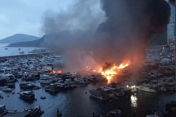 香港仔南避風塘三級火 波及逾30船一人送院