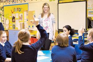 一百天內不換裝,美國老師教導學生一件事