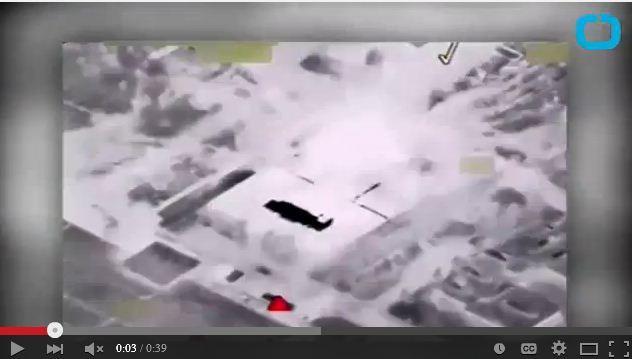 一名美國空軍指揮官周二表示,美軍對伊斯蘭國(IS)在伊拉克的化學武器工廠進行了轟炸摧毀。(視像擷圖)