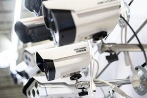 英內閣辦公室被偷拍 錄像頭來自海康威視