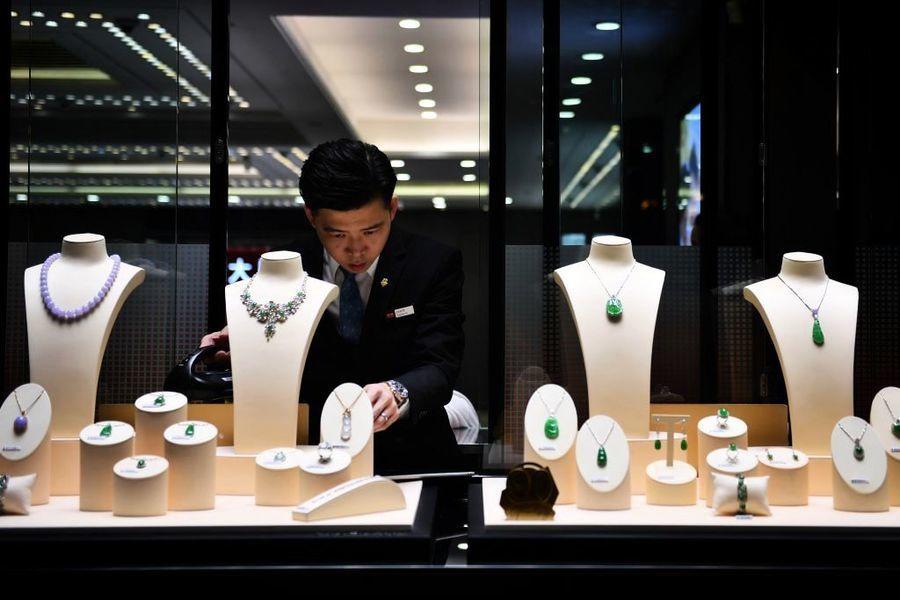 【香港零售】5月銷售額年增10.5%至296億元 奢侈品跑贏