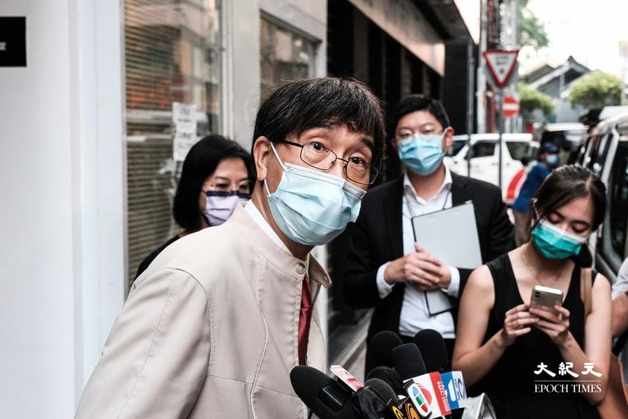 女子清潔染疫者酒店房間後確診 袁國勇批房間消毒不足十分鐘