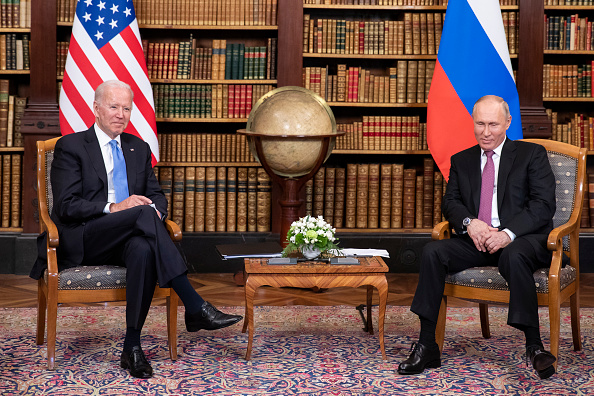 2021年6月16日,拜登與普京在日內瓦舉行會晤。(Peter Klaunzer - Pool/Keystone via Getty Images)