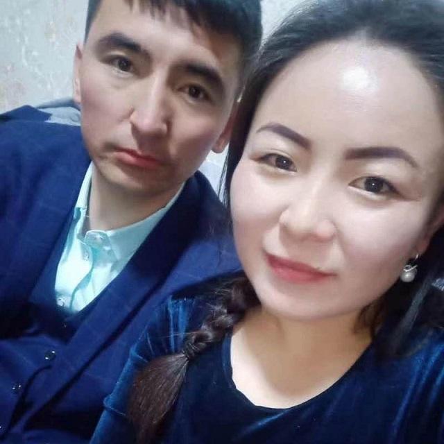 阿勒特那依•阿拉山與她的丈夫葉爾波拉提•胡斯漫。(受訪者提供)