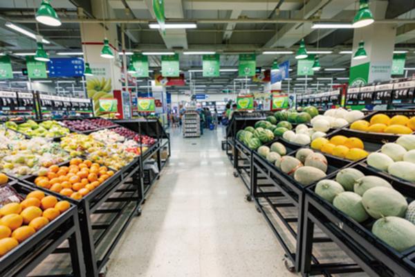 美超市囤貨 降成本保利潤