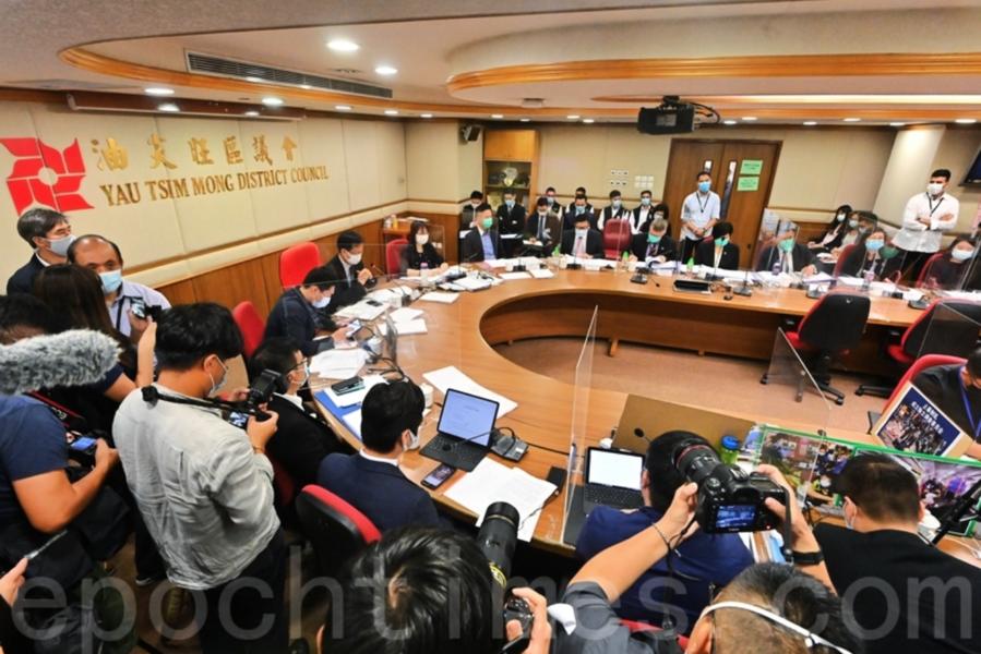政府放風欲DQ並追討百萬薪金 逾30名區議員宣佈辭任