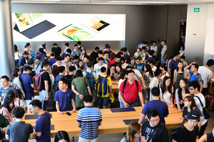 iPhone 7今早全港開賣