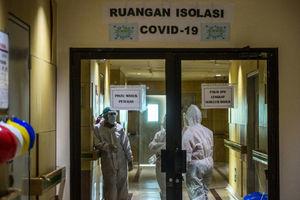 印尼6月經濟活動放緩 不少醫護打科興後仍染病身亡