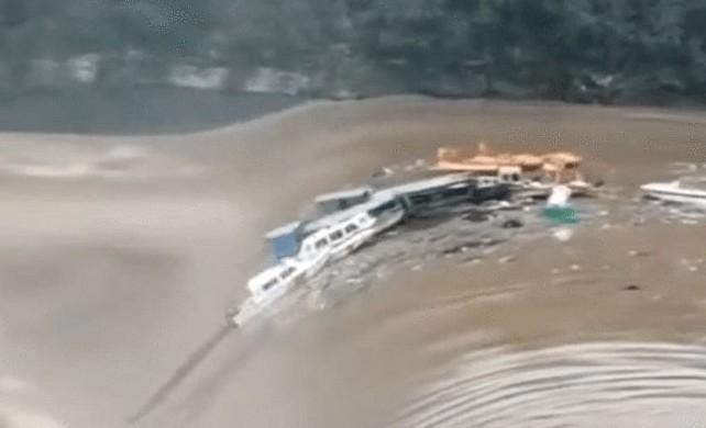 四川暴雨110鄉21萬人受災 多條遊船被沖走