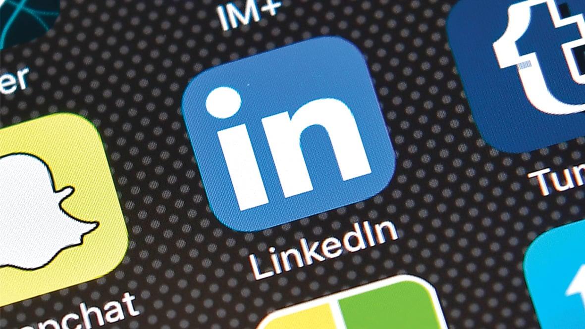 專業社交平台 LinkedIn(領英)的應用程式徽標。(Getty Images)