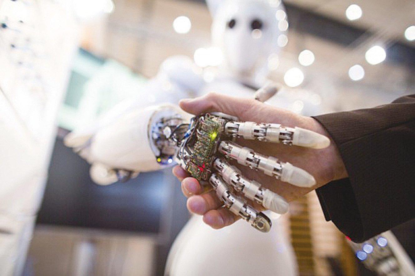 一份最新的報告稱,人工智能(Artificial Intelligence, AI)將於未來五年取代超過6%的工作。(CARSTEN KOALL/AFP)