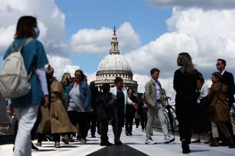 倫敦就業全面復恢 全職與臨時工皆渴市