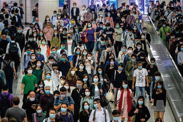 據CMG和IAB調查統計結果顯示,香港人的收入水平和購買模式預示志向型消費階層不斷增長。(ANTHONY WALLACE/AFP via Getty Images)