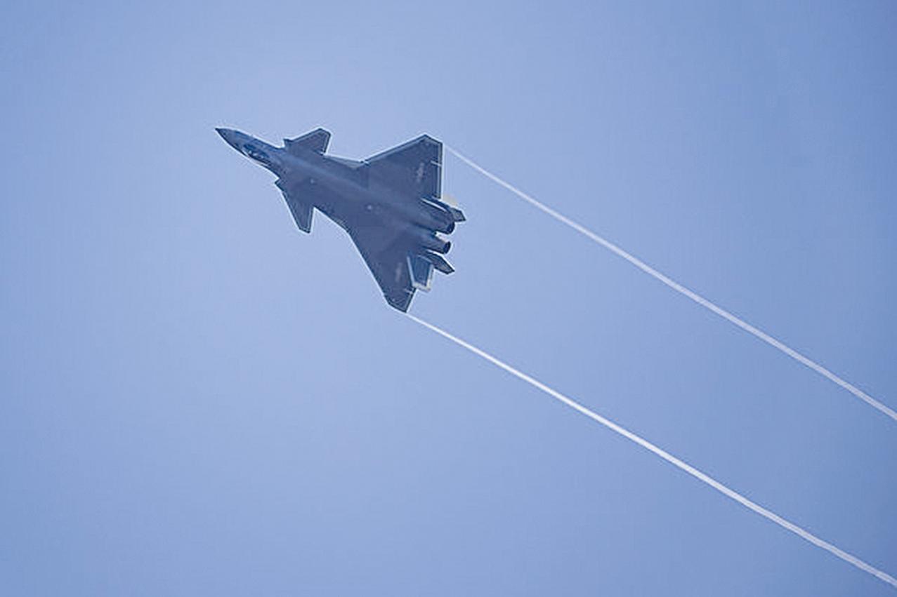 J-20。(STR/AFP/Getty Images)