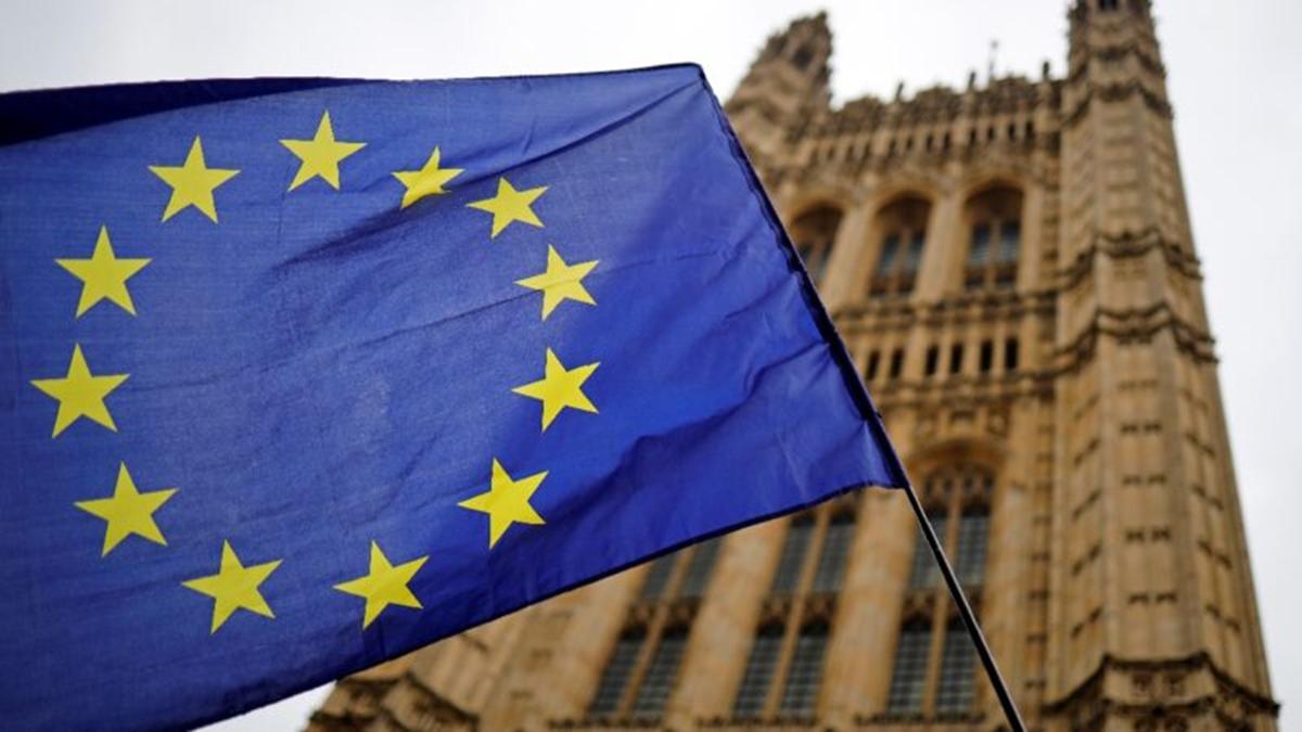 歐盟旗幟。(TOLGA AKMEN/AFP via Getty Images)