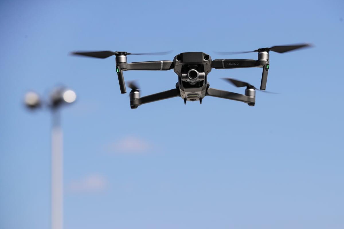 政府公佈消息,《小型無人機令》 最快本周五 (16日) 刊登憲報,並將會在7月21日提交立法會。圖為無人機示意圖。 (Photo by Drew Angerer/Getty Images)