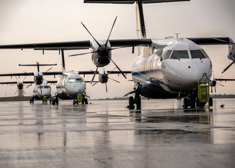美軍C-146A行政專機抵台  祕密「包裹」交AIT專員