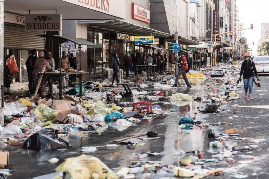 南非打砸搶暴動七十二死 母親被迫高空拋嬰兒
