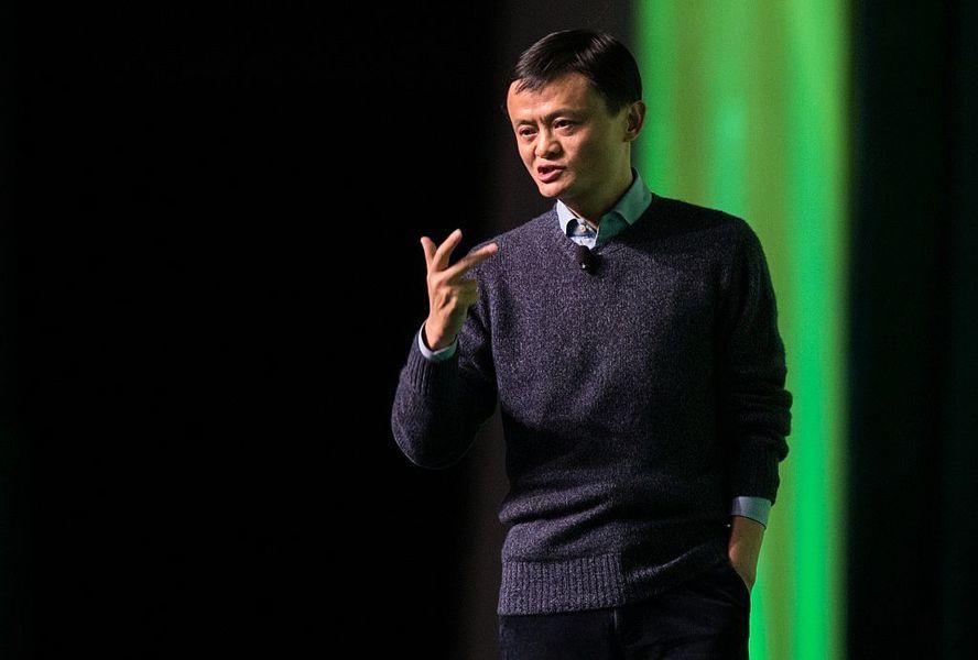 中國富豪紛紛捐款 躲避中共「打土豪分田地」