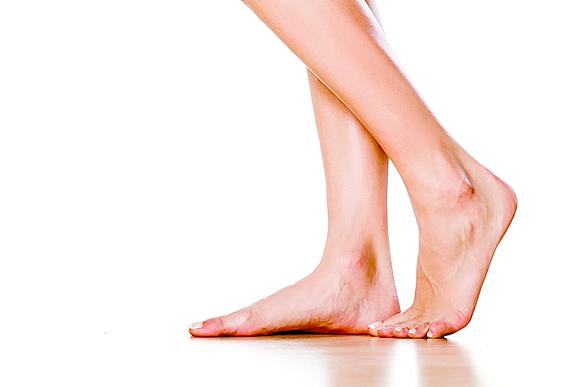腳跟乾裂長老繭  三方法快速應對