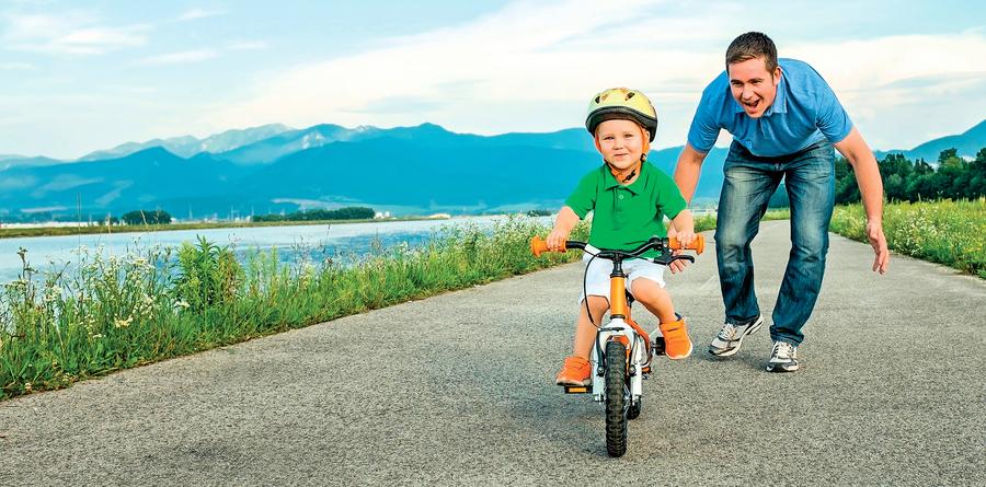 養育孩子: 平衡自由 與安全的技巧 育兒中的恐懼會對做出合理的決定產生負面影響