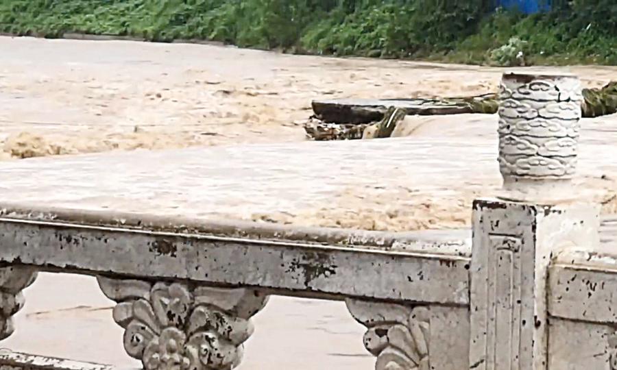 河北易縣爆發六十年來最大洪水