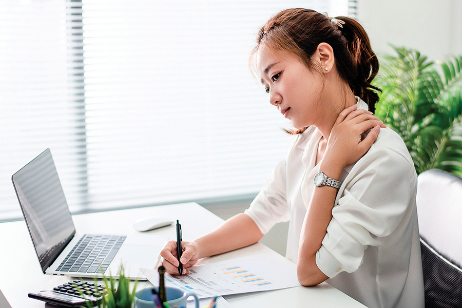 肩頸痠、 麻、 痛 小針刀療法有效緩解不適