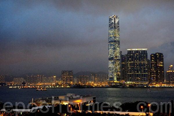 香港最高地標建築物地環球貿易廣場(ICC)。(宋詳龍/大紀元)