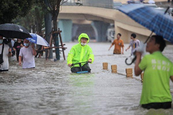 河南洪水衝擊Iphone最大組裝廠  野村:或影響當地商業活動