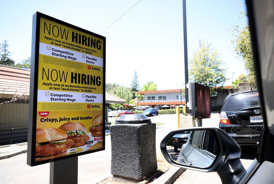 美失業人數意外回升 周首領救濟增至逾41萬人