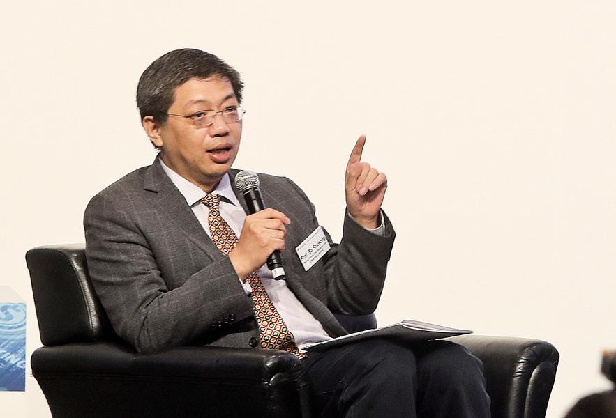 巴曙松:人幣資金池深度夠利匯率