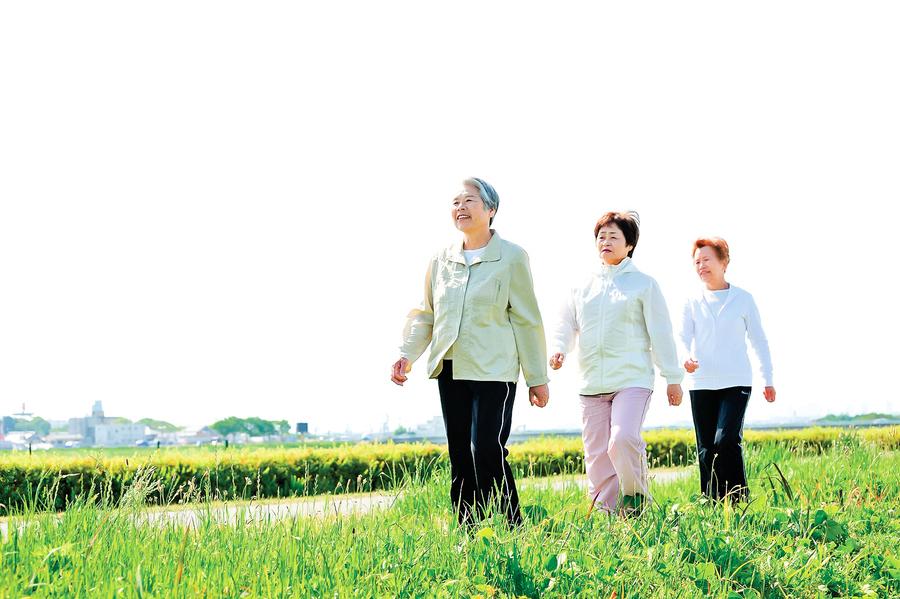 如何預防高齡者跌倒? 醫生:經常揉壓小腿2部位