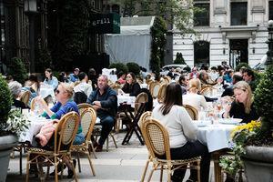 美PMI仍擴張 餐廳業回復97%水平 顧問RSM料經濟反彈後正常化